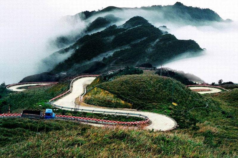 Du lịch Hòa Bình chiêm ngưỡng cảnh đẹp của đèo Thung Khe