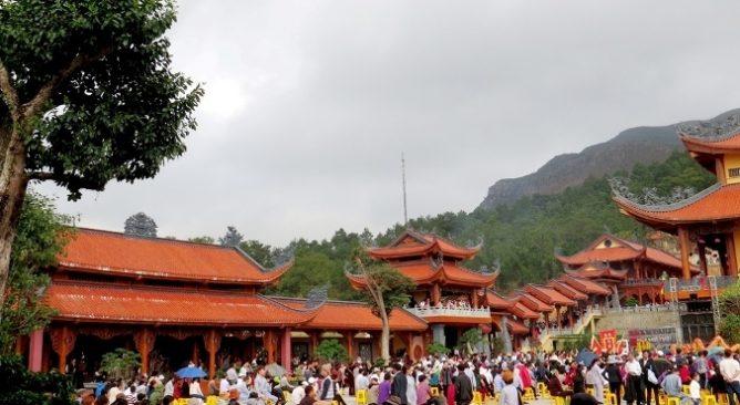 Cách đi chùa Ba Vàng-Hướng dẫn đi du lịch chùa Ba Vàng
