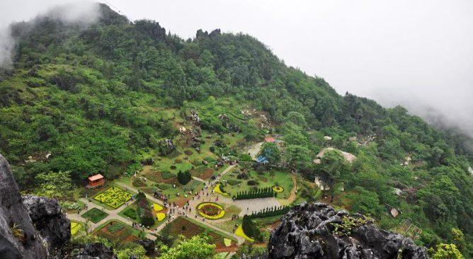 Tour Du lịch Sapa 2 ngay 1 dem Ham Rong – Ta-Phin bang o-to-7