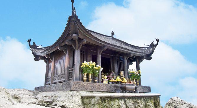 Tour Du Lịch Chùa Yên Tử-ĐềnCửa Ông 2 Ngày 1 Đêm Giá rẻ
