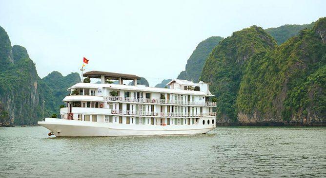 Tour Du Lịch TPHCM-Hà Nội-Hạ Long-Cát Bà-Tuần Châu-Yên Tử 6 Ngày 5 Đêm