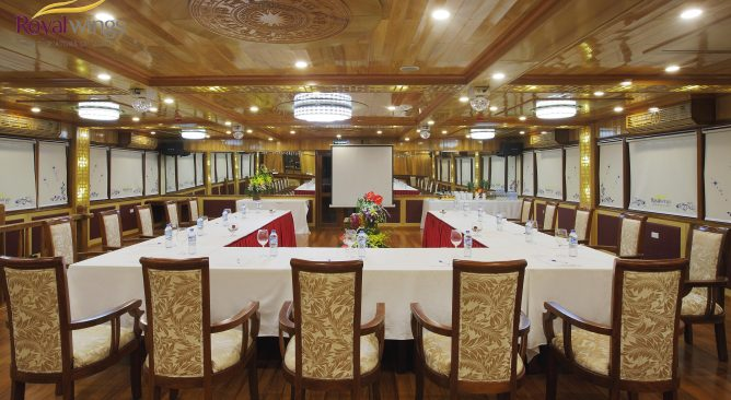 Du Thuyền Royal Wings Cruise 5 sao Hạ Long 2 Ngày 1 Đêm Khuyến Mại