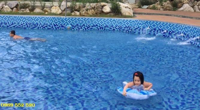 bể bơi Làng Sỏi Resort in Farm Hòa Bình