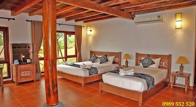 Mai Châu Hideaway Resort nhà mường