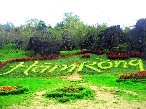 Tour Du lịch Sapa 2 ngay 1 dem Ham Rong – Ta-Phin bang o-to-1