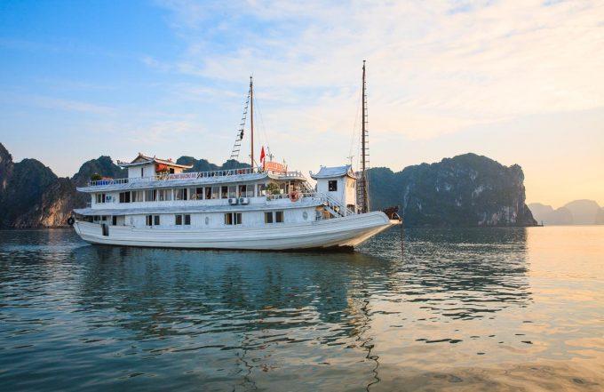Tour Du lịch Hạ Long Cát Bà 3 Ngày 2 Đêm( Ngủ tàu và Khách sạn)