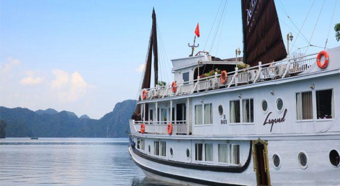 du-thuyen-aclass-legend-cruise-ha-long-2-ngay-1-dem-khuyen-mai