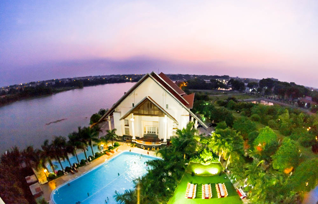 tour-du-lich-song-hong-resort-1-ngay-khuyen-mai