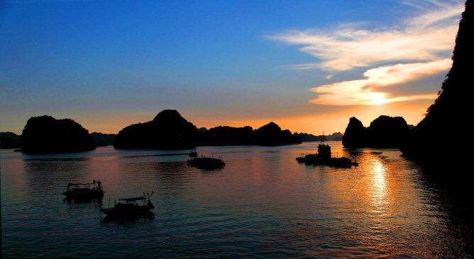 Tour Du Lịch Sài Gòn-Hà Nội-Hạ Long- Yên Tử- Ninh Bình 5 Ngày 4 Đêm