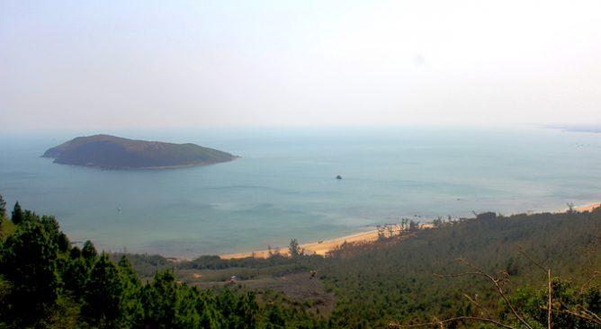 Tour Du Lịch Viếng Mộ Đại Tướng Võ Nguyên Giáp-Bãi Biển Đá Nhảy 1 Ngày