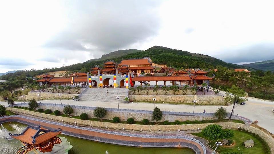 Tour Du Lịch Chùa Ba Vàng-Yên Tử 1 ngày Ghép đoàn Giá Rẻ