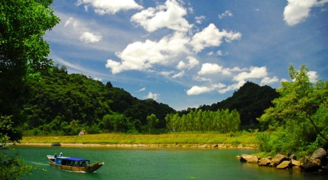 Tour Du Lịch Hà Nội-Quảng Bình 4 Ngày 3 Đêm Viếng mộ Đại Tướng Võ Nguyên Giáp
