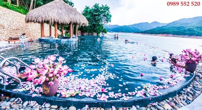 bể bơi Mai Châu Hideaway Lake Resort