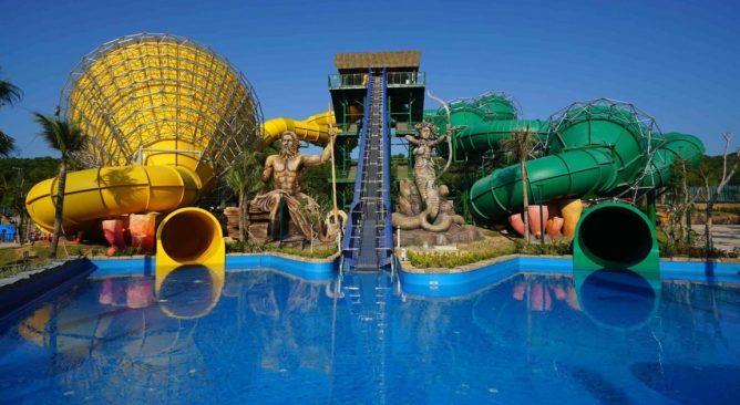 Aquatopia Water Park Phú Quốc