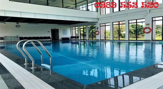 Bể bơi vạn sơn resort