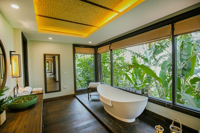 bồn tắm ferns grand mountain suite