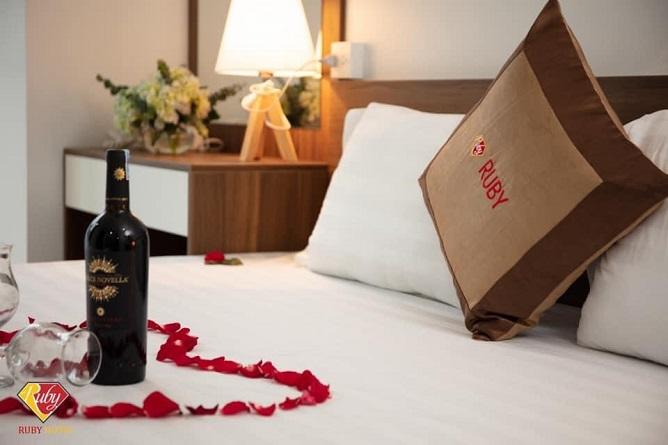 ruby cat ba hotel