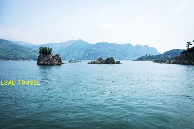 du lịch hồ thủy điện hòa bình